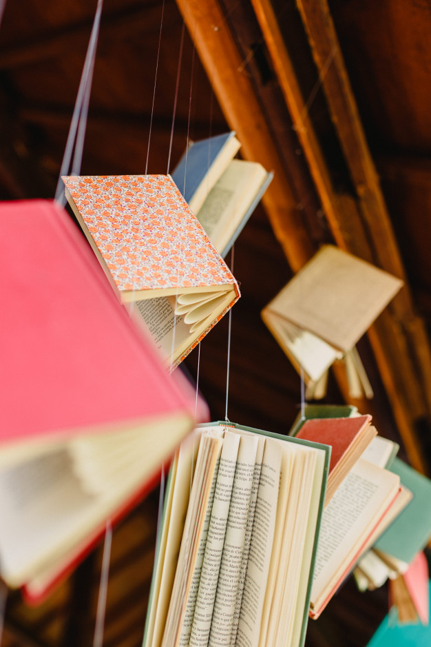 "Exposition ""la bibliothèque suspendue "" |"